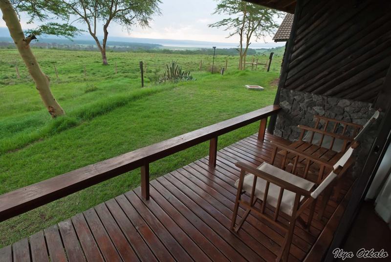 Лейк Накуру Лодж, вид из домика. Озеро Накуру, Кения