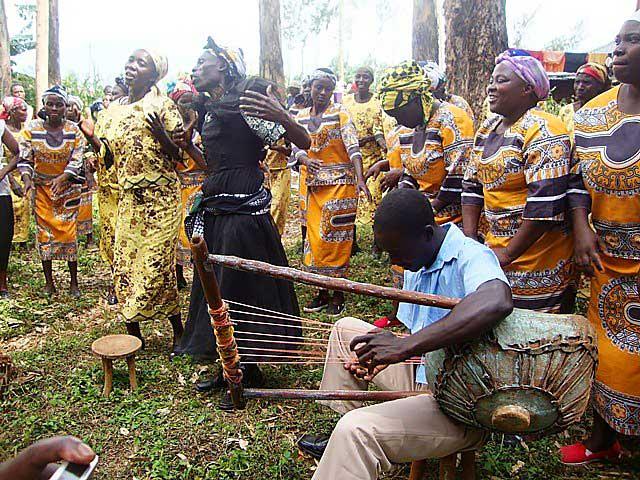 Культура и Искусство. Танцы племени Кисии