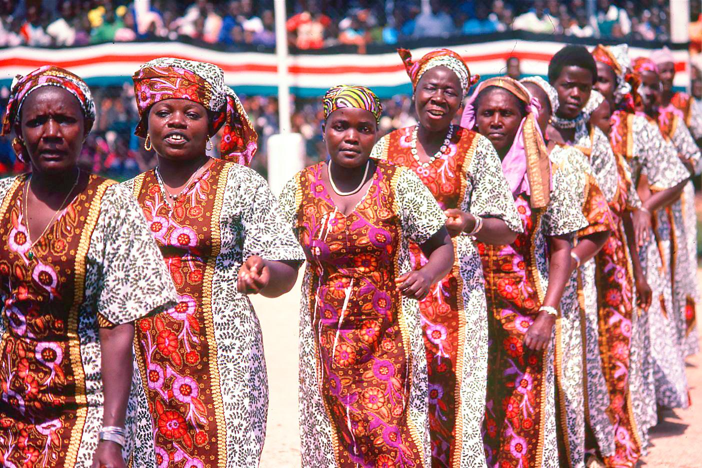 Женщины из племени Лухиа