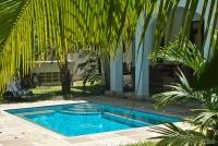 <p>В некоторых домиках Lantana Galu Beach - свои бассейны</p>