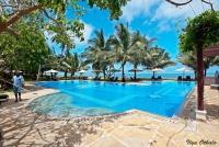 <p>Бассейн отеля Lantana Galu Beach</p>