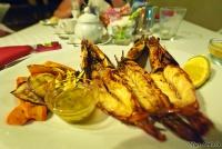 <p>Еда в Кении. Гигантские креветки</p>