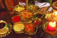 <p>Еда в Кении. Соусы в ресторане Сафари парк Отеля</p>
