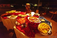 <p>Еда в Кении. Сладости в ресторане Сафари Парк Отеля</p>