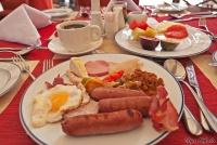 <p>Типисный завтрак в кенийском отеле (Crown Plaza)</p>