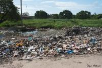 <p>Кения, Момбаса. Свалка посреди города</p>