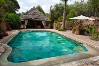 <p>Кения, озеро Найваша. Чуи лодж. Бассейн</p>