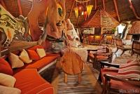 <p>Кения, озеро Найваша. Чуи лодж. Уютный ресторан</p>