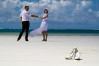 <p>Кения, свадьба на берегу океана. Туфельки</p>
