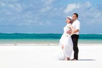 <p>Кения, свадьба на берегу океана.</p>