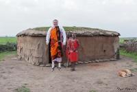 <p>Кения, свадьба по обрядам масаев. А вот и жених!</p>