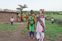 <p>Кения, свадьба по обрядам масаев. Невеста в национальной одежде</p>