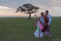 <p>Кения, свадьба по обрядам масаев. Встреча заката в Масаи Мара</p>
