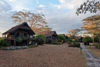 <p>Кения, парк Оль Педжета. Домики отеля Swrrtwaters.</p>