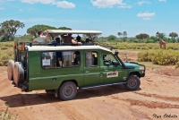 <p>Сафари-джип Toyota Land Cruiser</p>
